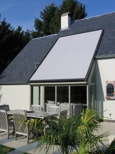 Veranda zonwering in dak.